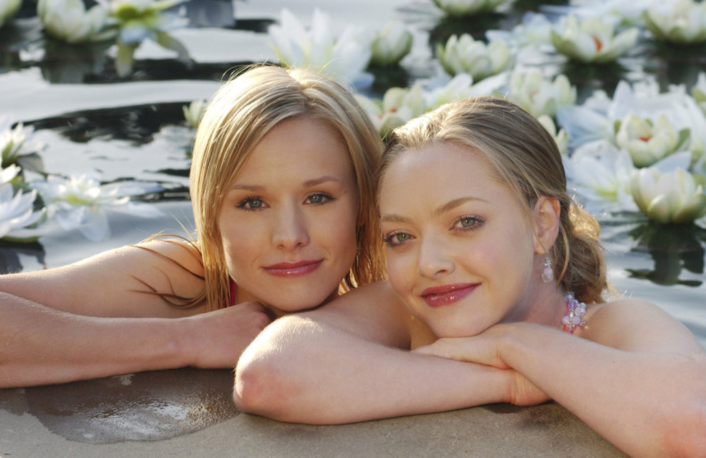 """Leave it to Beaver"" (l-r) Kristen Bell (""Veronica Mars"") with guest star Amanda Seyfried (""Lilly Kane"") in VERONICA MARS on UPN.  Photo: Ron P. Jaffe/ UPN. ©2005 CBS Broadcasting Inc.All Rights Reserved"